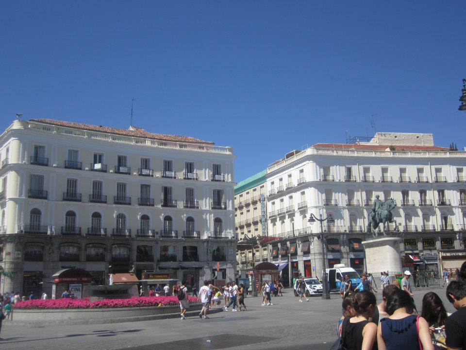 Jardines del museo del prado hurdlestohappiness for Sol plaza madrid